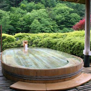 夏の慶雲館で大人の夏休みをお過ごしください。